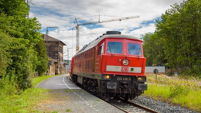 In Hochfranken unterwegs: Ludmillas - 232 428-3 in Martktschorgast - Foto: Florian Fraaß, Bad Berneck